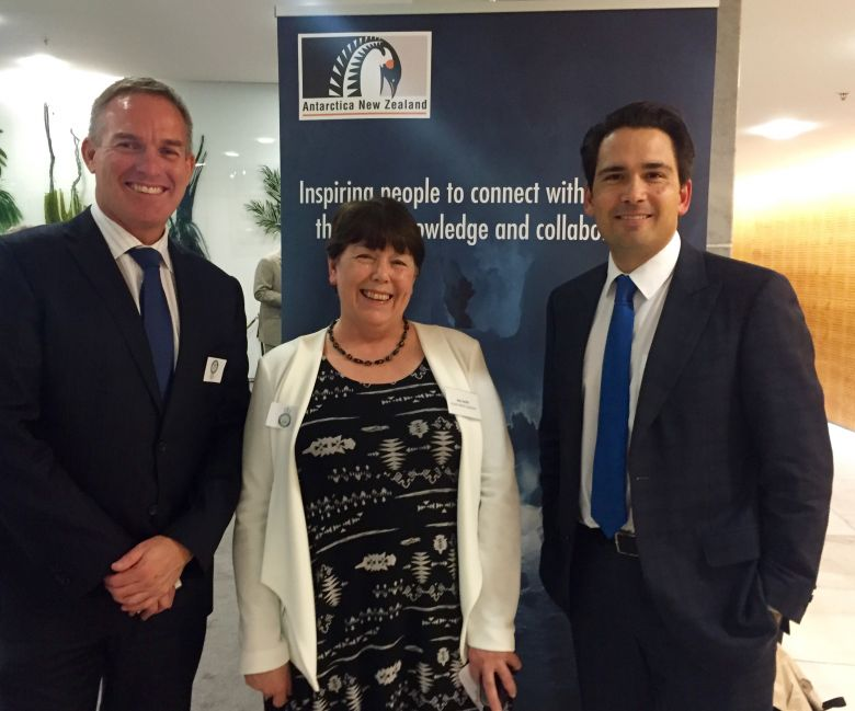 Peter Beggs (CEO Antarctica NZ), Ann Smith (CEO Enviro-Mark Solutions) and Hon Simon Bridges (NZ Minister of Energy and Resources)