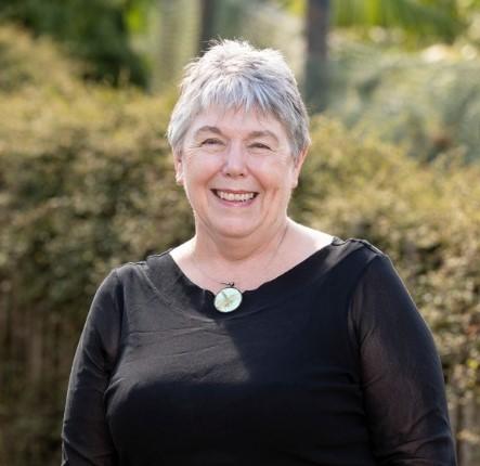 Dr Ann Smith